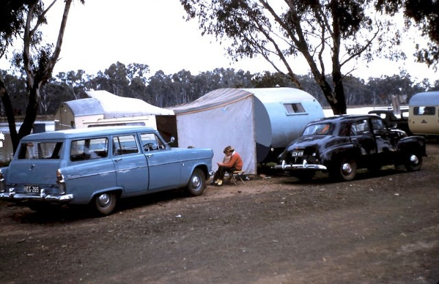 Trailer Life of the 1960s (26 pics)