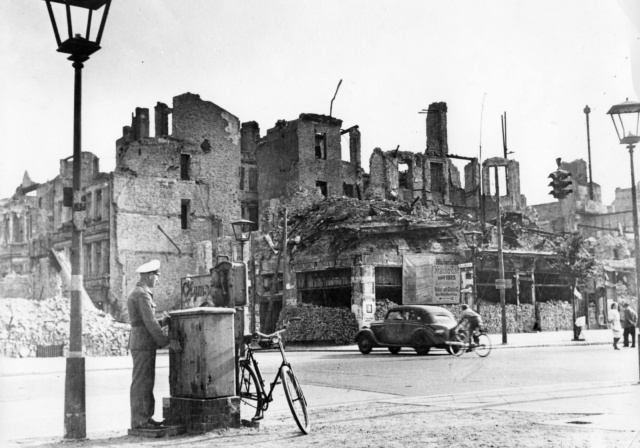Berlin In 1945 (30 pics)