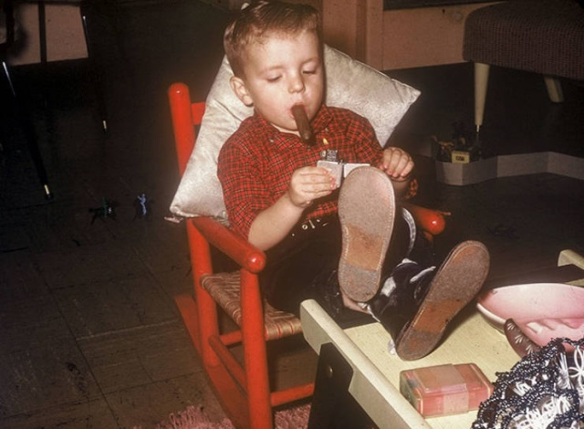 Vintage Photos Of Old-School Parenting (23 pics)