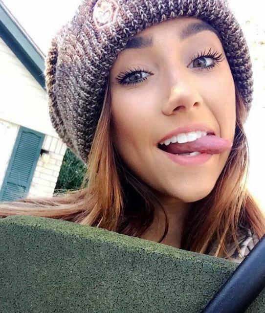 Cute Girls Have Fun (28 pics)