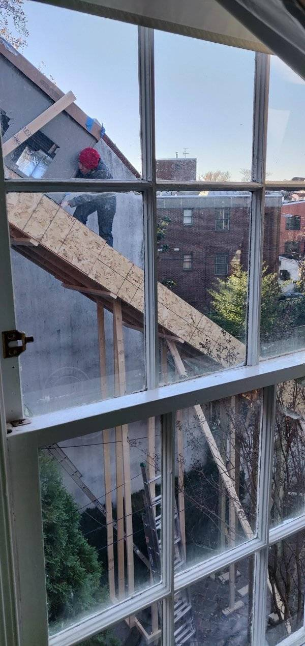 Doesn't Look Safe At All (35 pics)