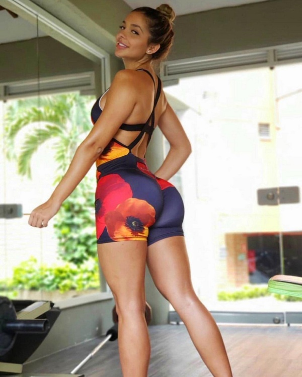 Girls in Sports Shorts (28 pics)