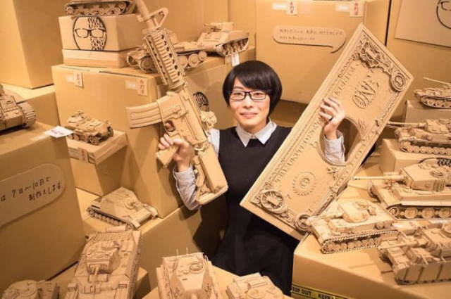 Japanese Woman Creates Art Out Of Cardboard Boxes (18 pics)