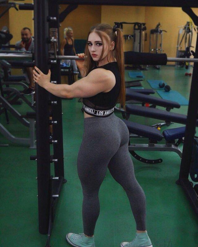 'Muscle Barbie' Julia Vins (32 pics)