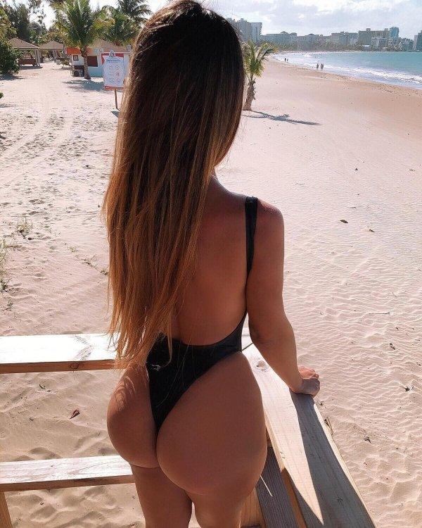 Very Hot Bikini Girls. And We Mean It (99 pics)