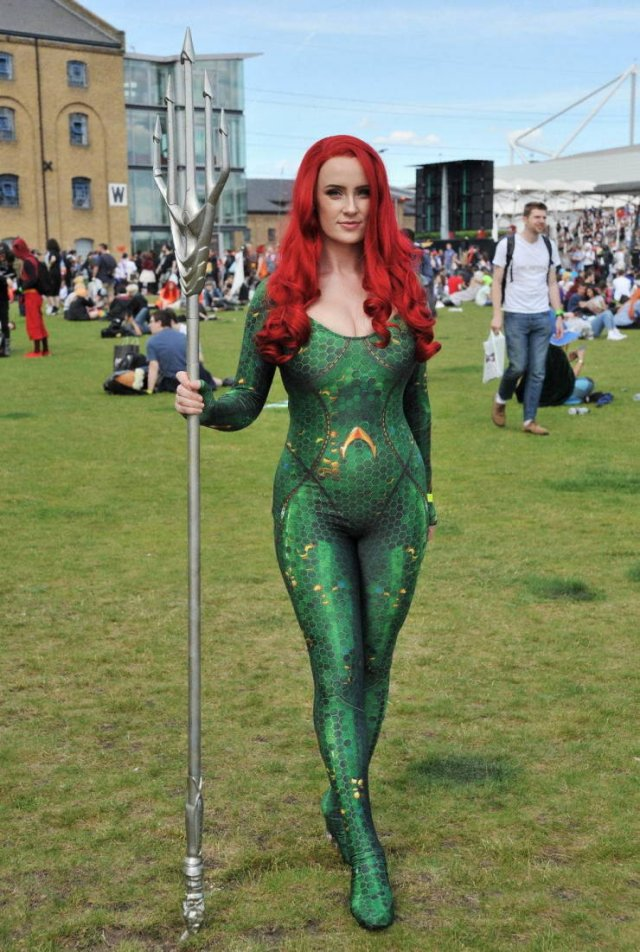 Photos From 2019 London Comic Con (36 pics)