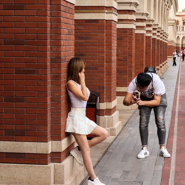 Guys Taking Photos (16 pics)