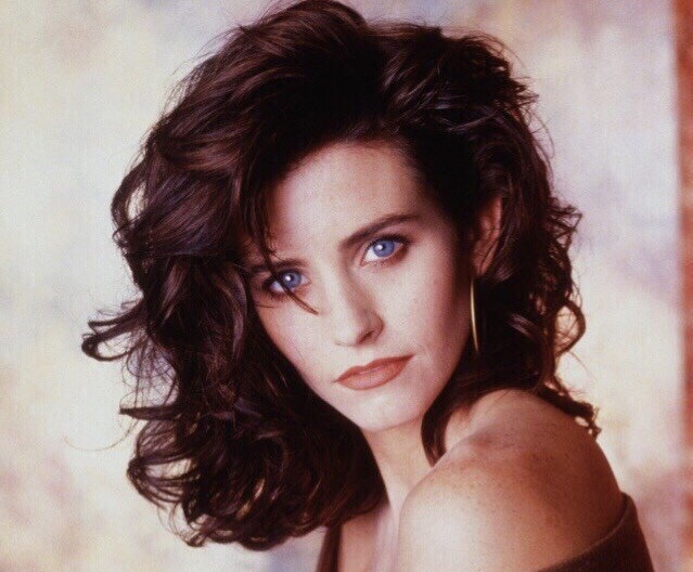 Courteney Cox Is An Amazing Actress (14 pics)