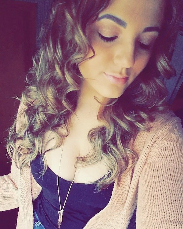 Pretty Girls With Curly Hair (30 pics)