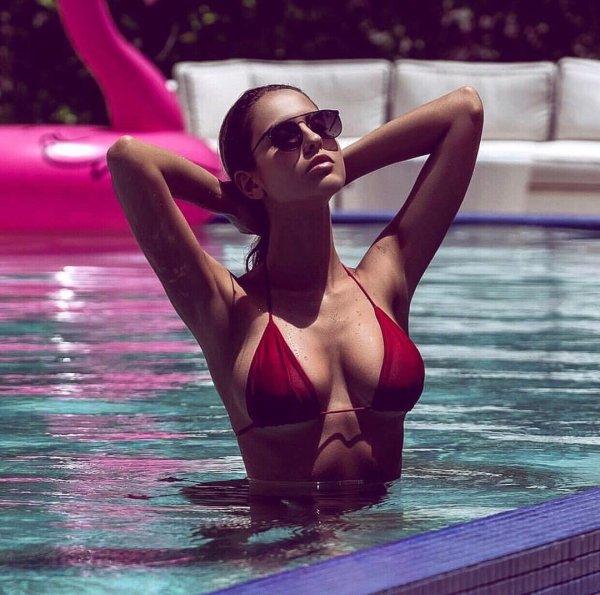 Summer Girls (53 pics)