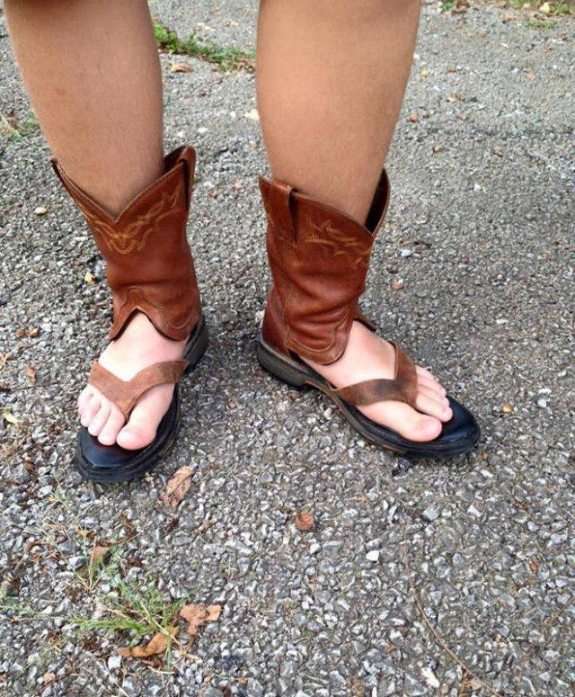 When Cowboy Boots Meet Sandals (20 pics)