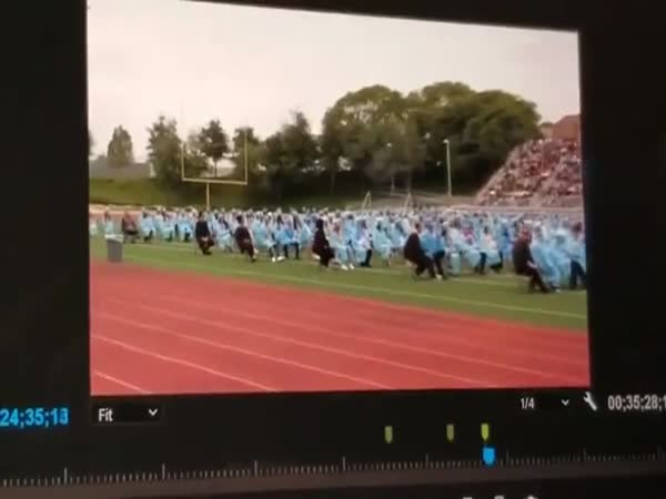 High School Valedictorian Delivers A Speech Consisting Of 100% Truth