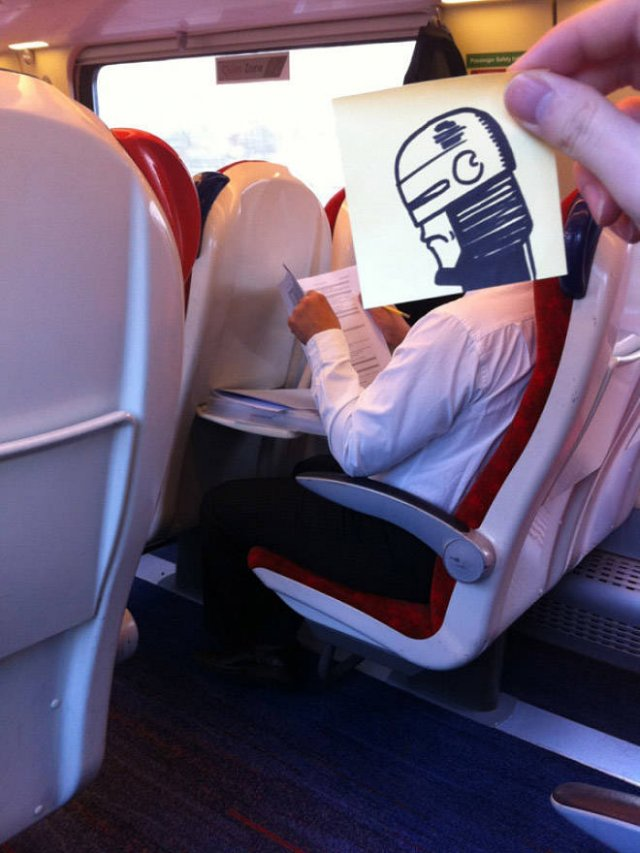 Fun On The Train (20 pics)