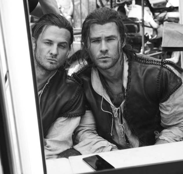 Actors And Their Stunt Doubles (23 pics)