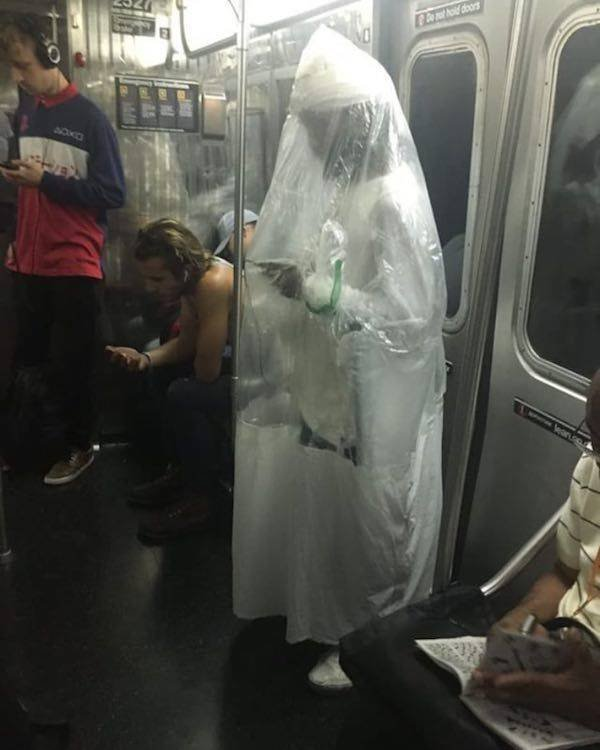 Strange People On The Subway (34 pics)