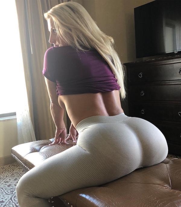 Rear View (45 pics)