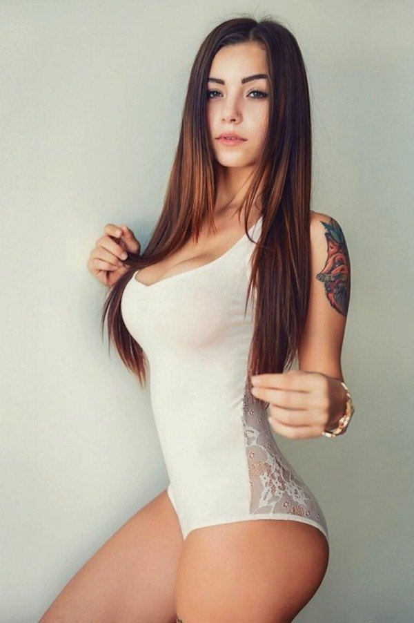 Beautiful Ladies (32 pics)