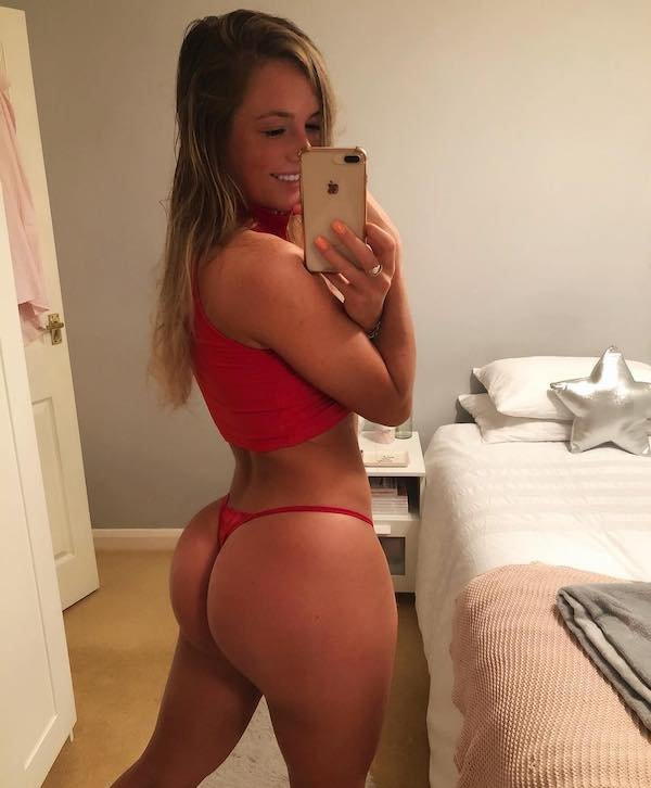 Hot Girls From Behind (50 pics)