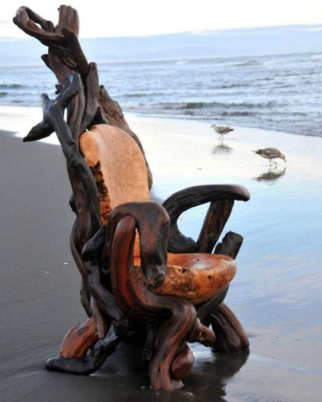 Artist Creates Sculptures Solely Out Of Wood He Finds On Beaches (30 pics)