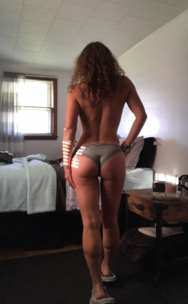 Hot Waists (30 pics)
