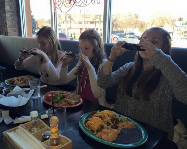 What People Do For Social Media (33 pics)