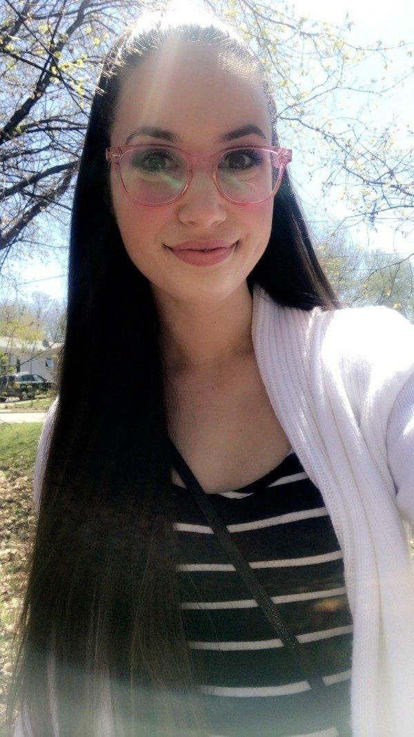 Girls In Glasses (36 pics)