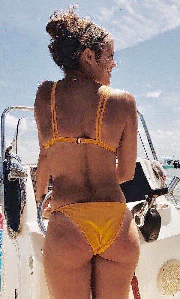 Rear View (50 pics)