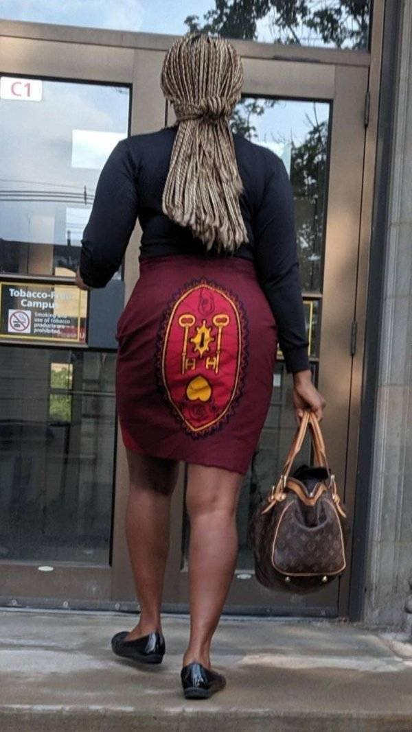 These Clothes Are Bad (33 pics)