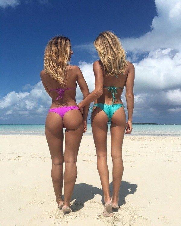 Bikini Girls (50 pics)