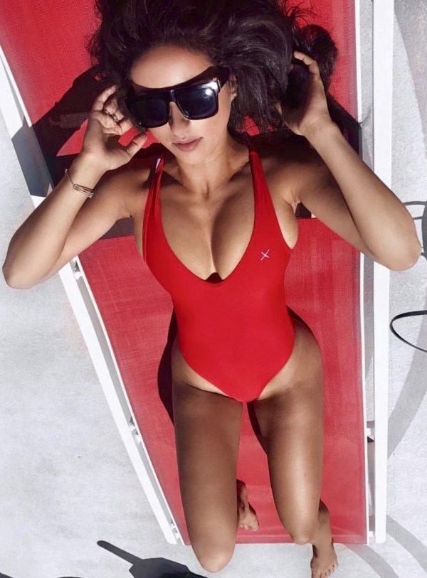 Hot Summer Girls (48 pics)