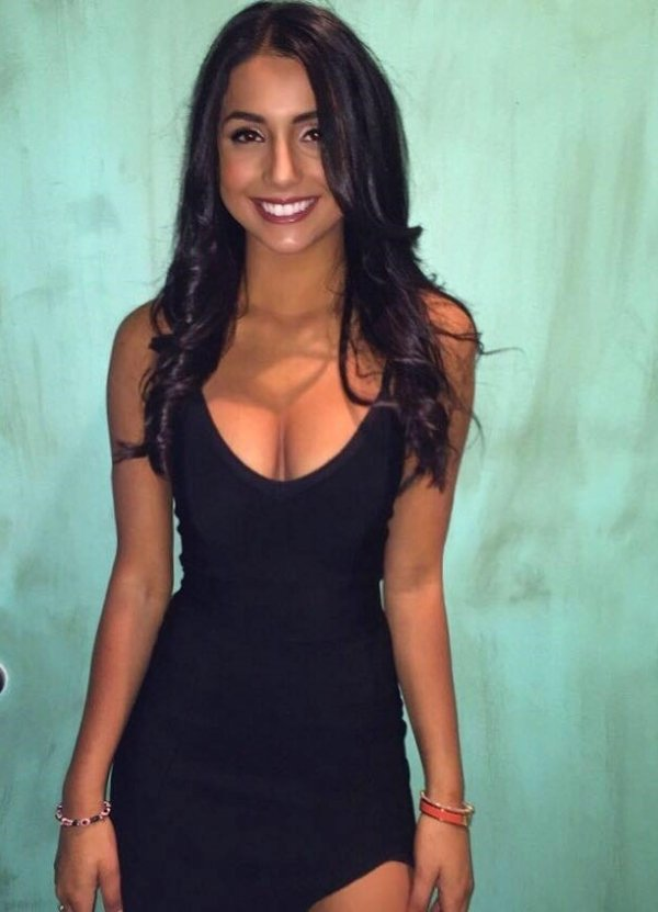 The Hottest Dresses Ever (48 pics)