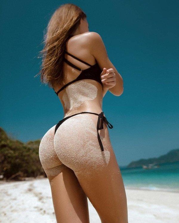 Beach Girls (45 pics)