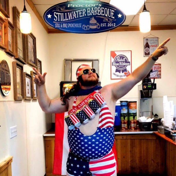 Everybody Loves America (42 pics)