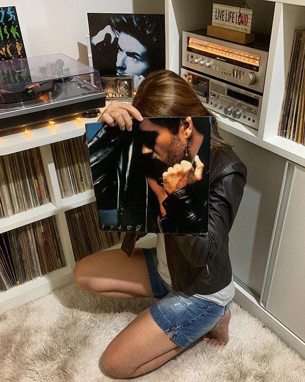 Fun With Vinyl (28 pics)