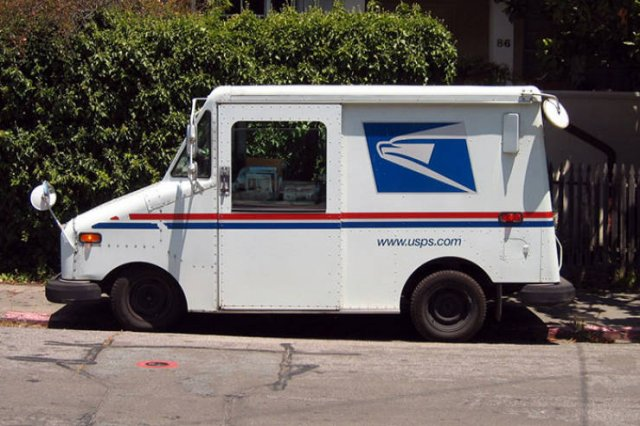 This Guy Wanted To Show How Hot It Is Inside His Mail Truck (8 pics)