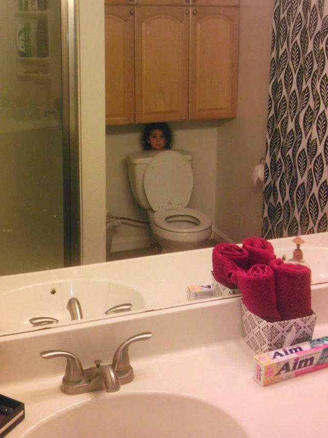 Kids Are Good At Hiding (22 pics)