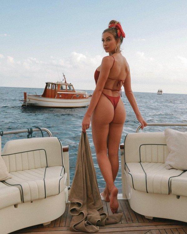 Bikini Girls (60 pics)