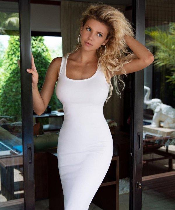 We All Love Tight Dresses (51 pics)
