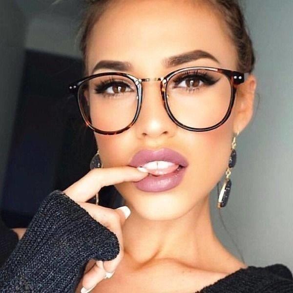 Beautiful Girls With Beautiful Eyes (31 pics)
