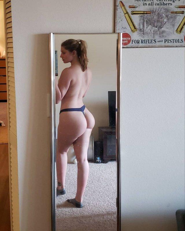 Hot Selfies (45 pics)