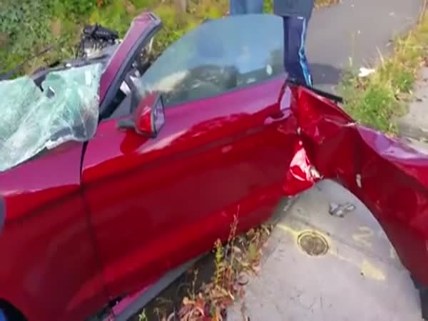 The Driver Of This Ford Mustang Walked Away From The Crash Unharmed