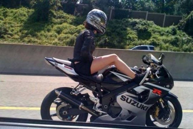 Fun With Motorcycles (48 pics)