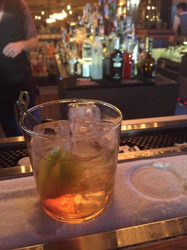 Awesome Bar Ideas (18 pics)