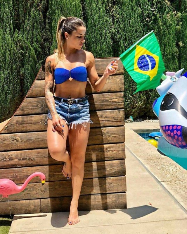 Hot Girls Of Brazil (56 pics)