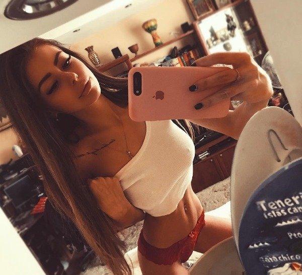 Hot Girls Love To Tug (42 pics)