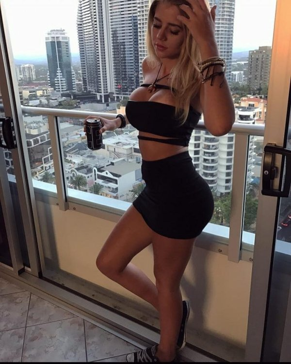 Girls In Dresses To Fall In Love With (50 pics)