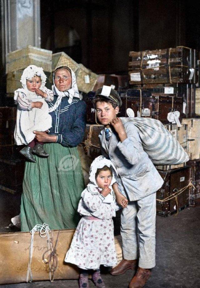 Colorized Historical Photos (20 pics)