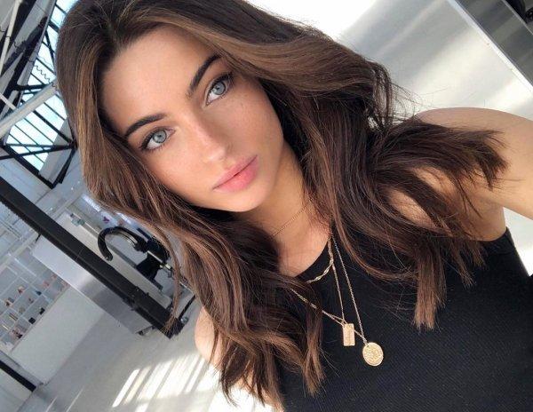 Beautiful Girls With Dark Hair And Light Eyes (42 pics)