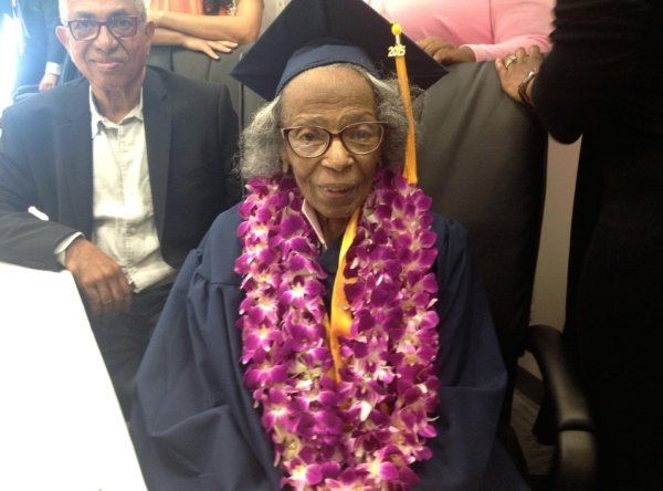Elderly Graduates Are Awesome (22 pics)