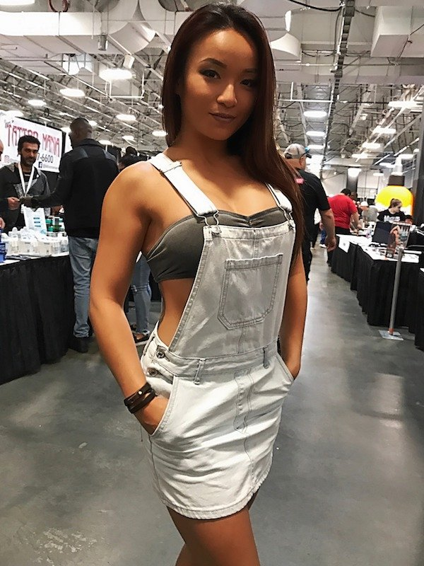 Girls In Overalls (31 pics)